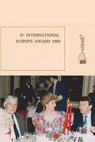 INTERANTIONAL EUROPE AWARD PARIS 1988